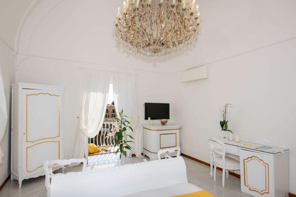 villa_yiara_deluxe_double_room_with_balcony_18_131