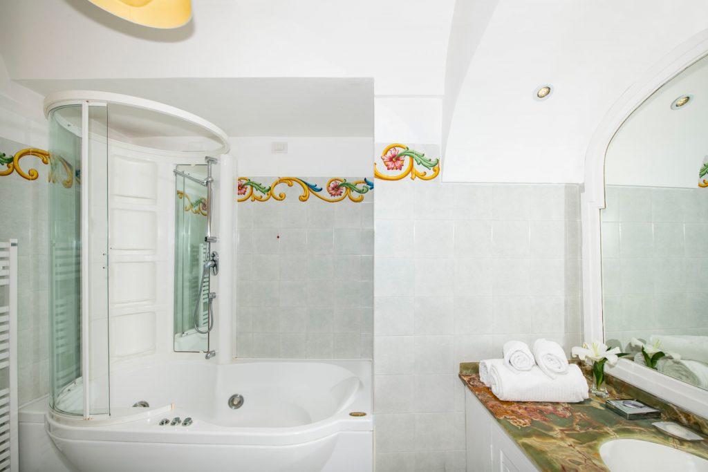 villa_yiara_deluxe_double_room_with_balcony_18_136