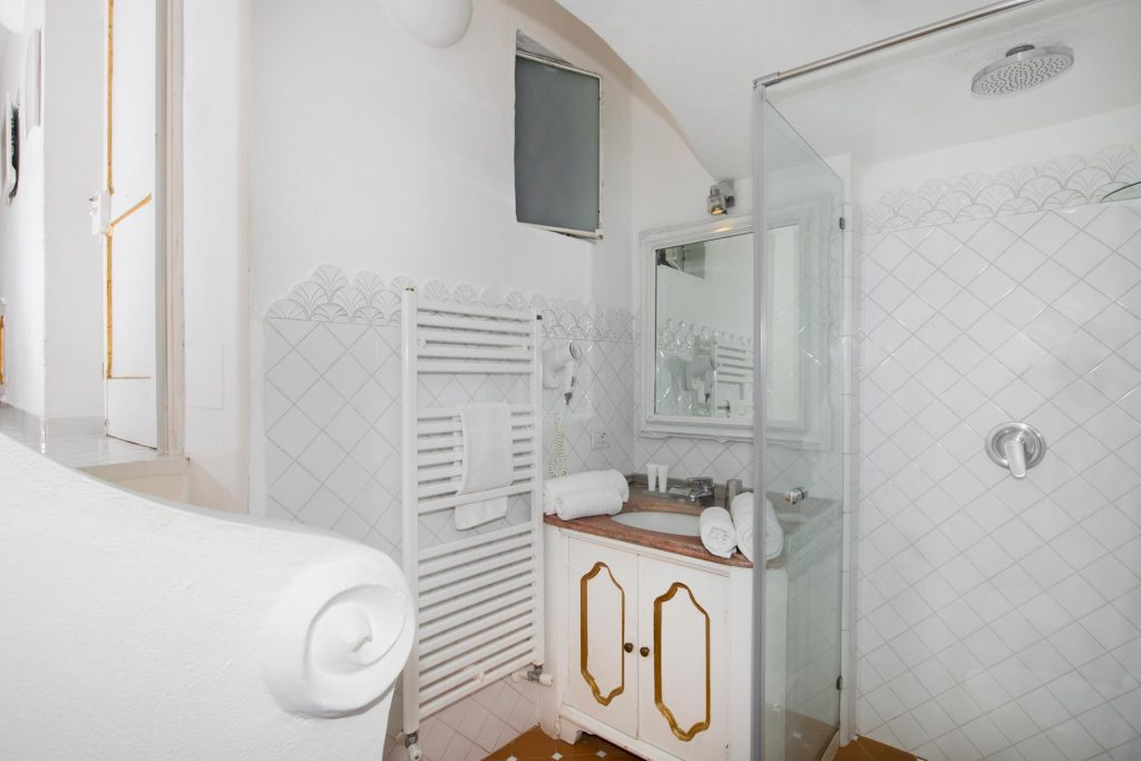 villa_yiara_double_room_with_terrace_18_6