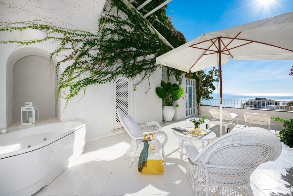 villa_yiara_romantik_room_with_terrace_18_75